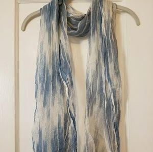 Coldwater Creek  beautiful blue and white scarf